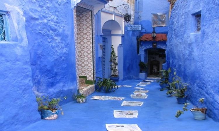 بالصور .. جولة فى سحر المدينة الزرقاء بالمغرب