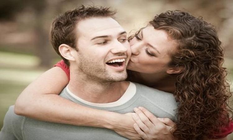 أمور يفعلها الأزواج فى غياب بعضهم البعض