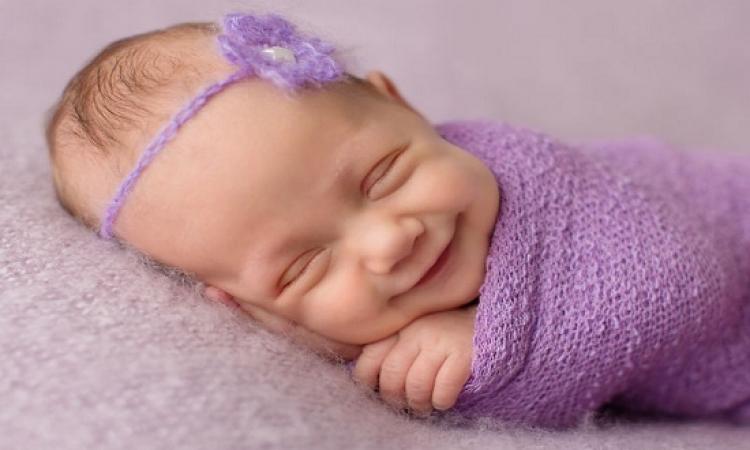 وداعاً لمعاناتك مع طفلك .. 3 مشروبات طبيعية تساعده على النوم