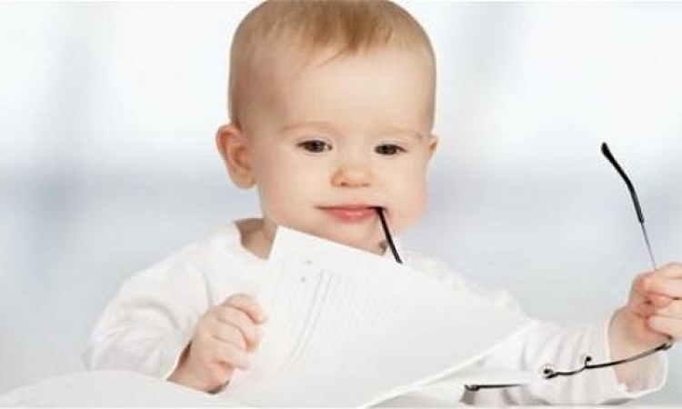 تابعى تطور طفلك من يومه الأول وحتى الشهر السادس