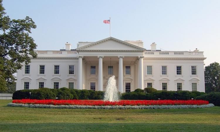 إخلاء قاعة المؤتمرات الصحفية فى البيت الأبيض اثناء انعقاد مؤتمر صحفى
