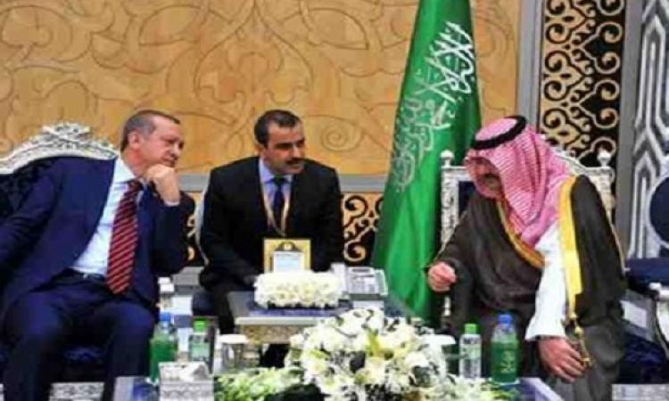 """كاتبة كويتية تسخر من استقبال أردوغان بالسعودية : """" غاب الملك والتقاه محافظ """" .. مقولناش حاجة إحنا !!"""