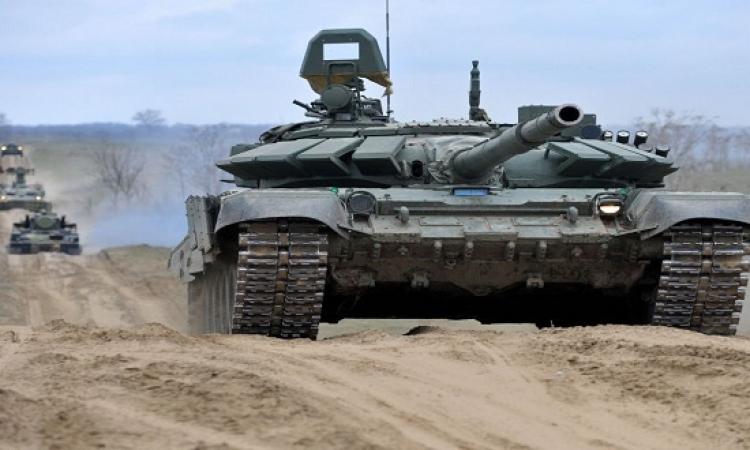 بالفيديو.. سمعنا عن حصان توك توك.. لكن دبابة بترقص فى بطرسبورج.. كتير