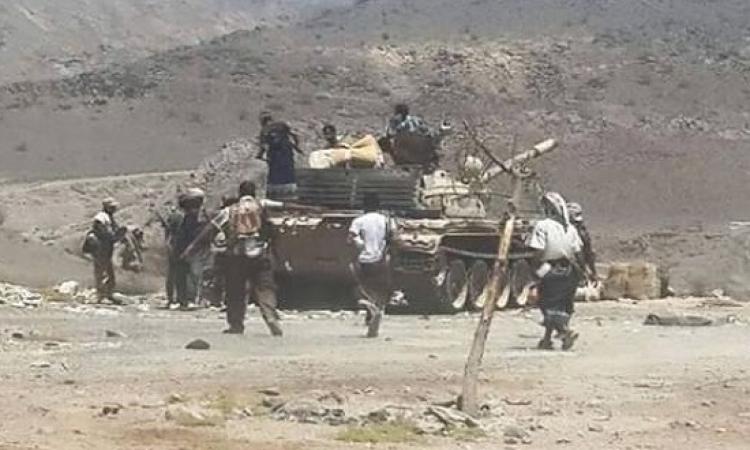 الحوثيون يواصلون زحفهم على عدن واشتباكات عنيفة مع قوات الجيش واللجان الشعبية الجنوبية