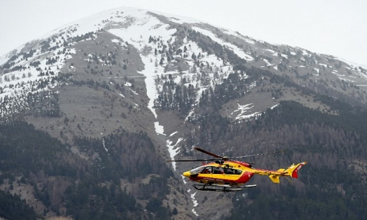 150 قتيلا فى تحطم طائرة إيرباص ألمانية جنوب جبال الألب بفرنسا