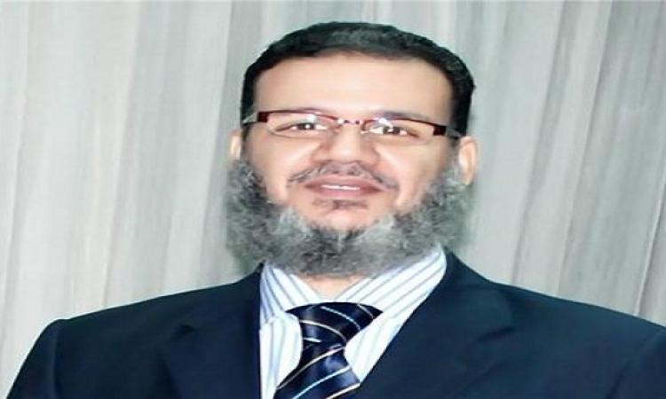 ممدوح إسماعيل للإخوان: بلوا الشرعية واشربوا ميتها