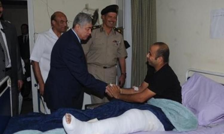 """بالفيديو.. وزير الداخلية يزور مصابي الشرطة في انفجار """"القضاء العالي"""""""