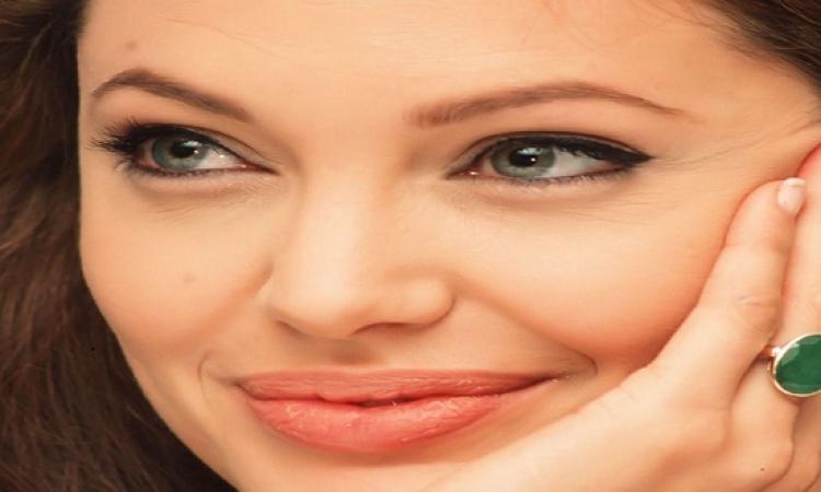 بالصور.. تعرف على أنجلينا جولي الإيرانية
