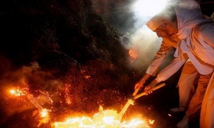 """إيران تحتفل ""بمهرجان النار"