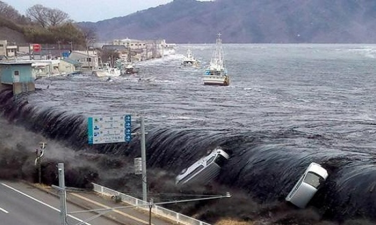اليابان تشيد سور القرن خوفًا من الكوارث