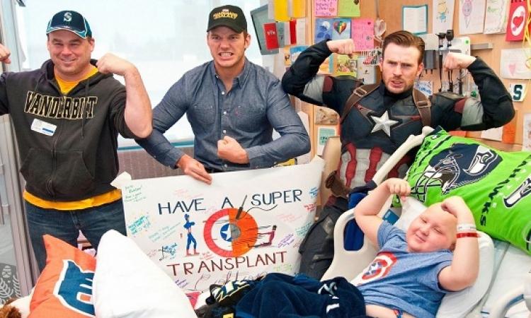 بالصور .. كابتن امريكا فى مستشفى سياتل للأطفال