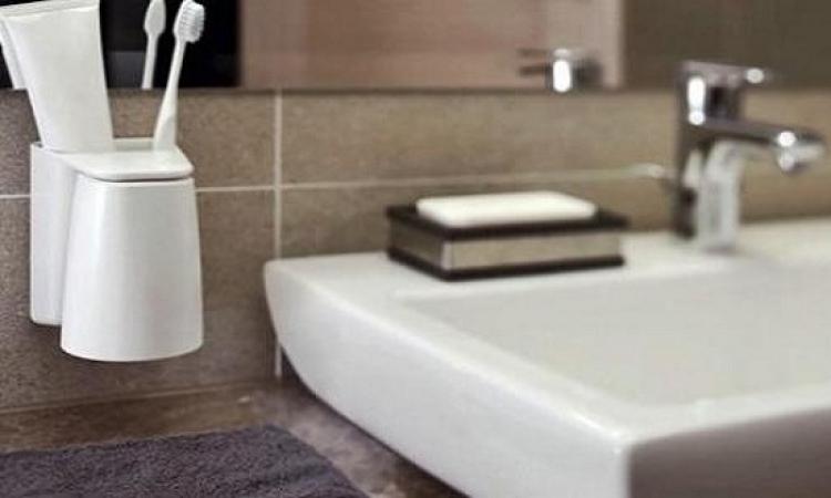 متى نبدأ تنظيف أدوات النظافة الشخصية ؟