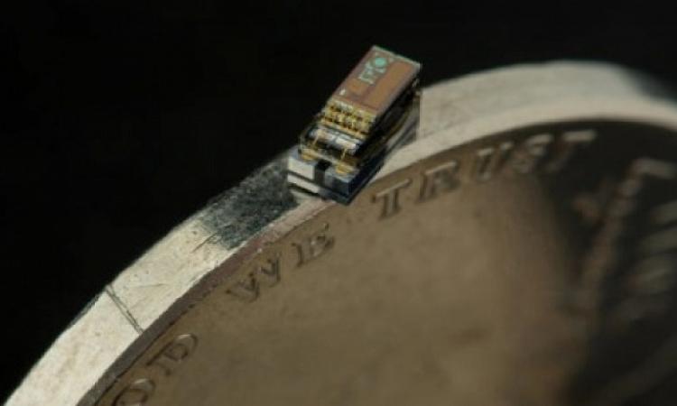 كمبيوتر بحجم حبة الأرز وبيشحن بالضوء بالتفاصيل تعرفوا على تكنولوجيا المستقبل