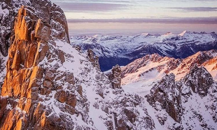 جبال الألب الفرنسية الساحرة جمال أخاذ فوق القمم