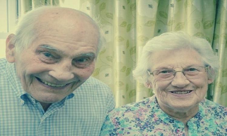 بريطانى عمره 103 يتزوج من صديقته صاحبة الـ91 عامًا