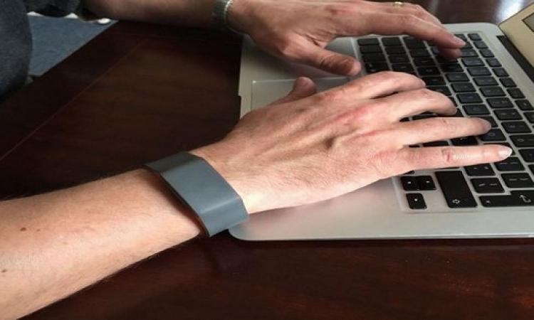 ساعة ذكية تتفقد صحة مرتديها وتبلغ أقاربة اذا تعرض لحادث