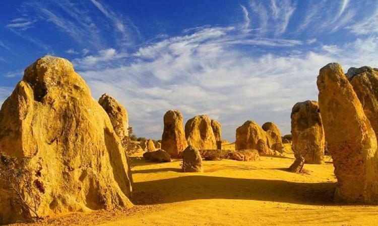 صحراء بيناكلس الساحرة وكثبانها البديعة