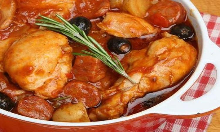 طبق اليوم .. صينية الدجاج والخضار بالفرن