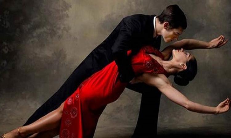 بالفيديو والصور.. فى يومه العالمى.. ترقص؟!