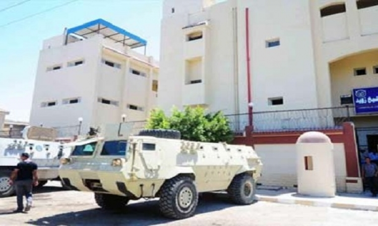 مقرات الأمن تواجه هجمات عنيفة بالشيخ زويد