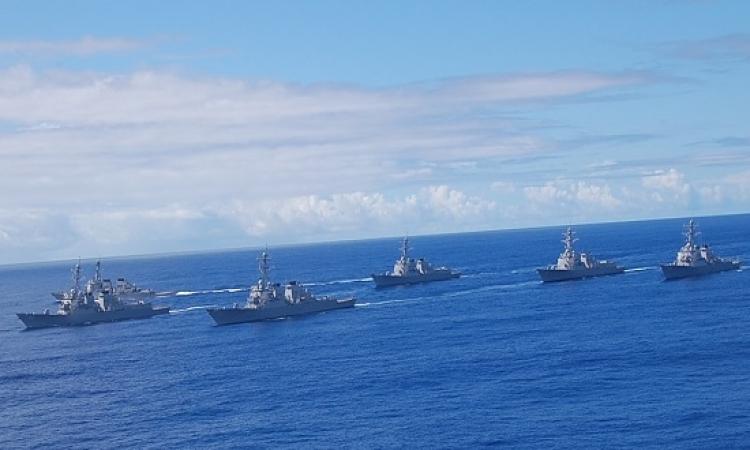 بعد تهديدها بضرب السعودية .. ايران ترسل 9 سفن حربية إلى باب المندب