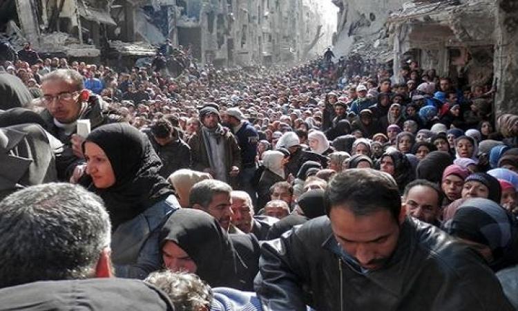 اشتباكات عنيفة بمخيم اليرموك للاجئين وسط تفاقم أزمته الإنسانية
