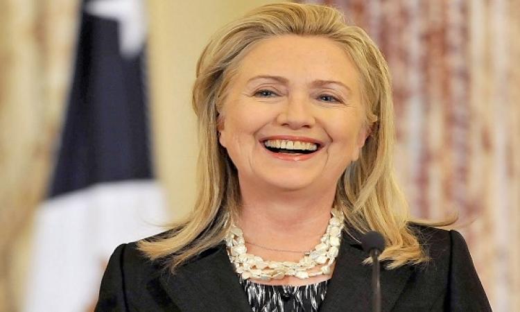 هيلارى كلينتون تسخر من نفسها ومن مرشح جمهورى فى إحدى البرامج الكوميدية
