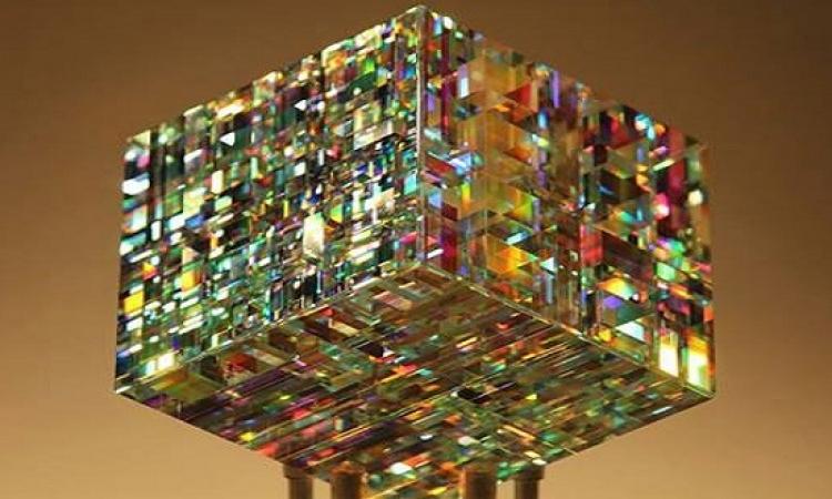 بالصور .. الابداع لا حدود له .. فن الزجاج