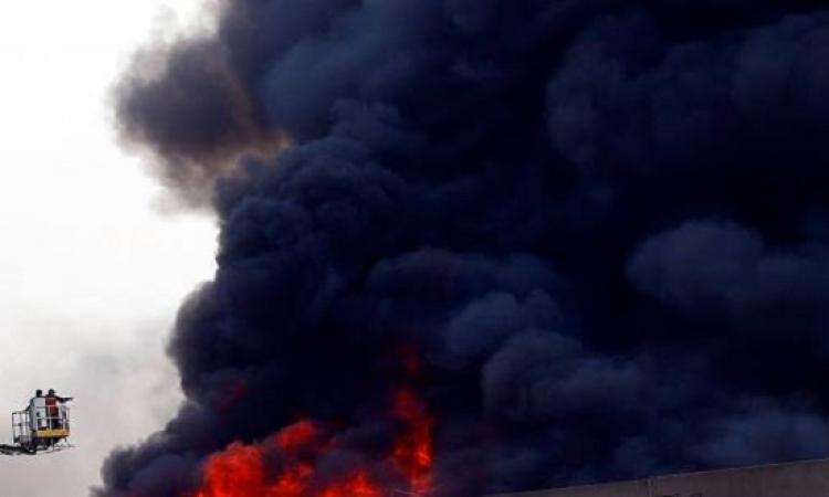 القاهرة تحترق .. 6 حرائق خلال ساعتين فى بنت المعز