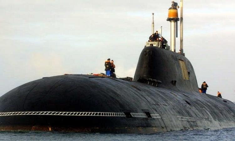النيران تشتعل بغواصة نووية روسية