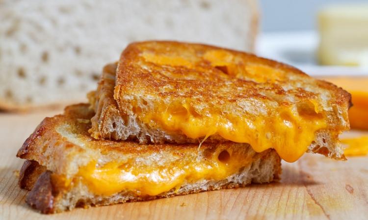 الجبنة المشوية تكشف حقيقتك