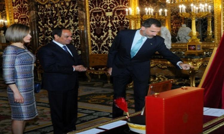 بالصور.. ملك إسبانيا وزوجته يصطحبان السيسى فى جولة بقصر أورينتى