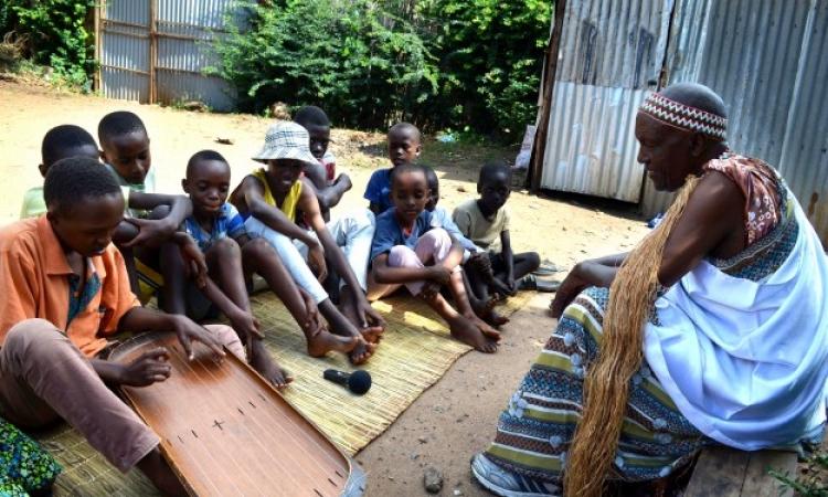 الإينانجا من البلاط الملكى لبوروندى .. حاجة كدا شبه القانون عندنا