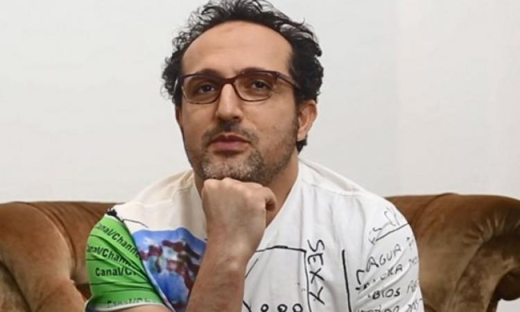 بالفيديو .. شريف مدكور: إحنا عيلة خنافس وأبويا ممكن يستلف منى القميص عادى !!