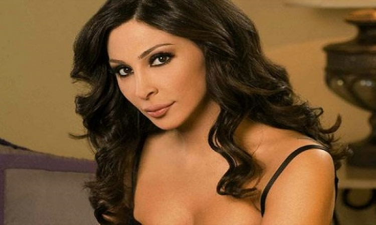 بالصور .. إليسا ترحب بصديقتها فى لبنان على طريقتها الخاصة