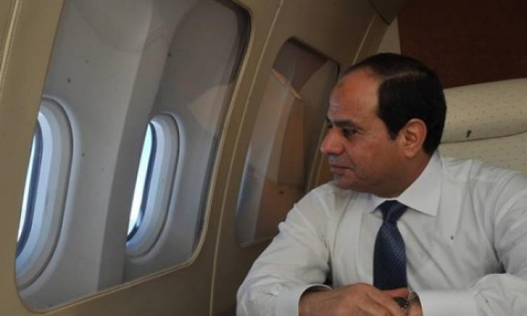 بالفيديو .. مصريون يستقبلون السيسى بالطبول فى اسبانيا والسيسى يصافحهم
