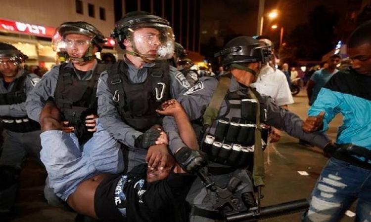بالفيديو والصور.. الشرطة الإسرائيلية تصيب عشرات الإثيوبيين فى تل أبيب