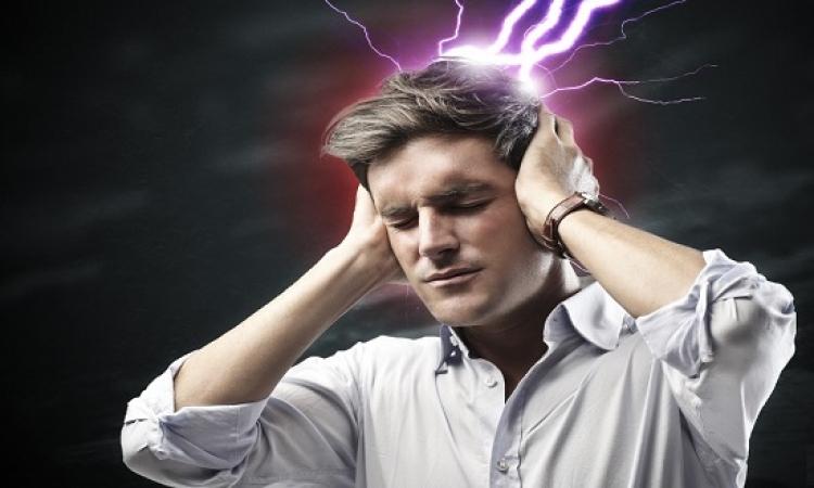 احترس من آلام الرأس.. فالصداع قد يصيب بالشلل والسكتة الدماغية!!