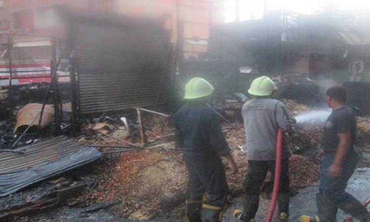 السيطرة على حريق ضخم التهم السوق التجارى بكوم أمبو