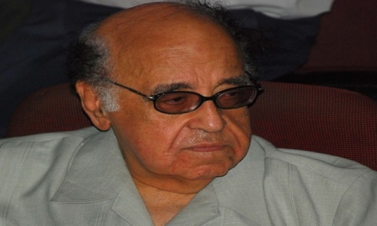 بالفيديو .. هالة فاخر تنهار من البكاء على الراحل حسن مصطفى