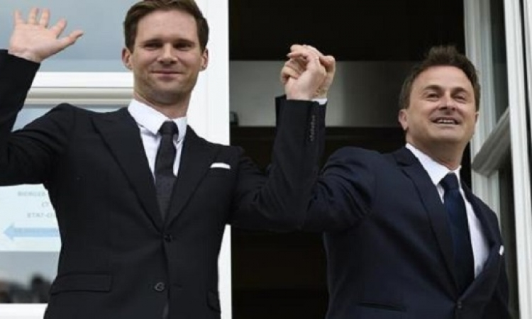 رئيس وزراء لكسمبورج يتزوج صديقه البلجيكى .. الحب ميعرفش جنسية !!