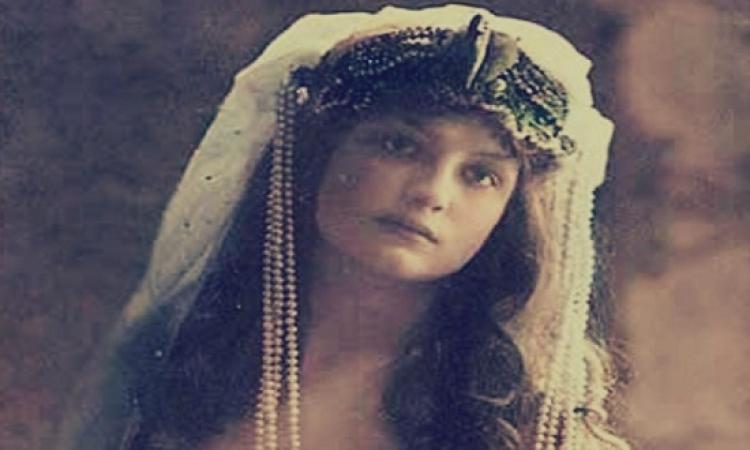 تعرف على أشهر راقصة تعرى فى تاريخ مصر؟!