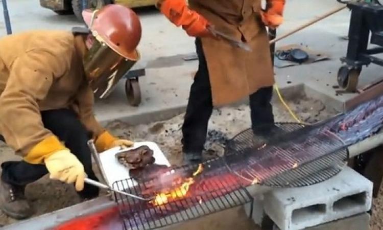 بالفيديو.. مشاوى على الحمم المنصهرة .. لحم بطعم البركان طازة وشهى