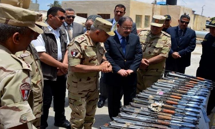 وزيرا الدفاع والداخلية يتفقدان عناصر القوات المسلحة والشرطة بسيناء
