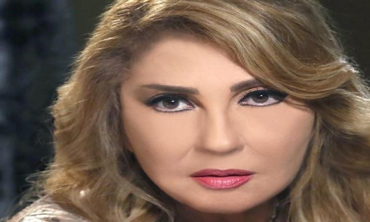 نادية الجندى عن نيللى كريم ومنة شلبى بيقلدونى!!