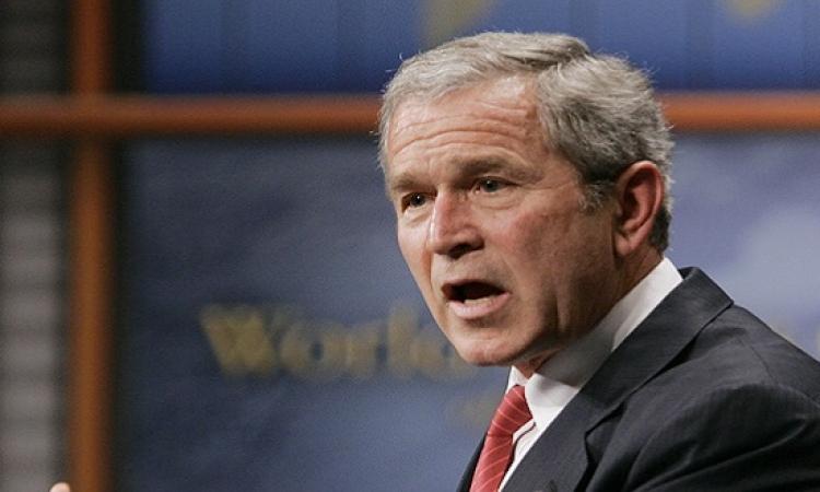 طالب أمريكى يتهم شقيق جورج بوش بأنه سبب ظهور داعش