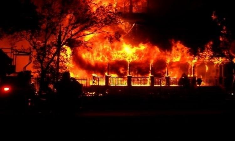 حريق هائل بسوق ملابس محلة مرحوم بطنطا
