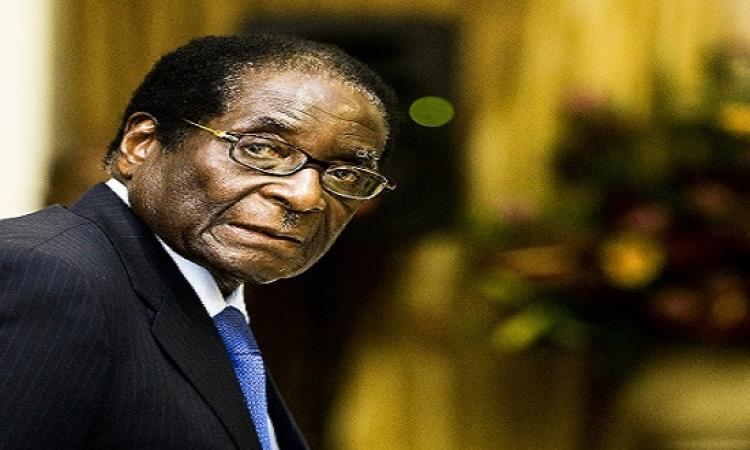 موجابى رئيس زيمبابوى : قمت من بين الأموات