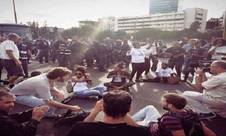 بالصور.. مظاهرات حاشدة لليهود السود ضد عنصرية الشرطة فى تل أبيب