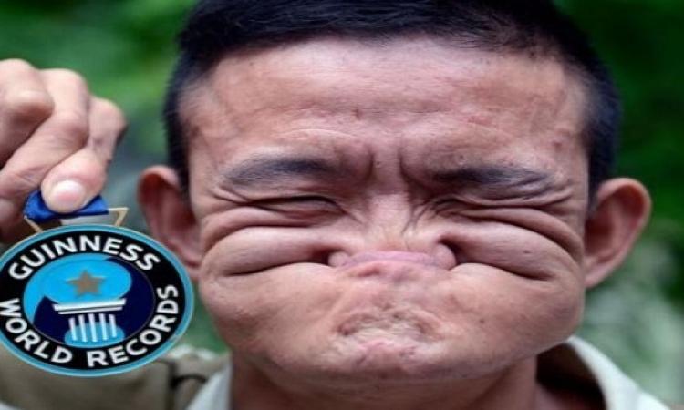 بالصور .. شاب صينى يمتلك القدرة على تغيير ملامح وجهه .. عملها ازاى ده !!